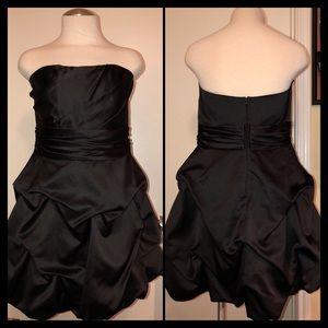 Black/Strapless Satin Pick Up dress